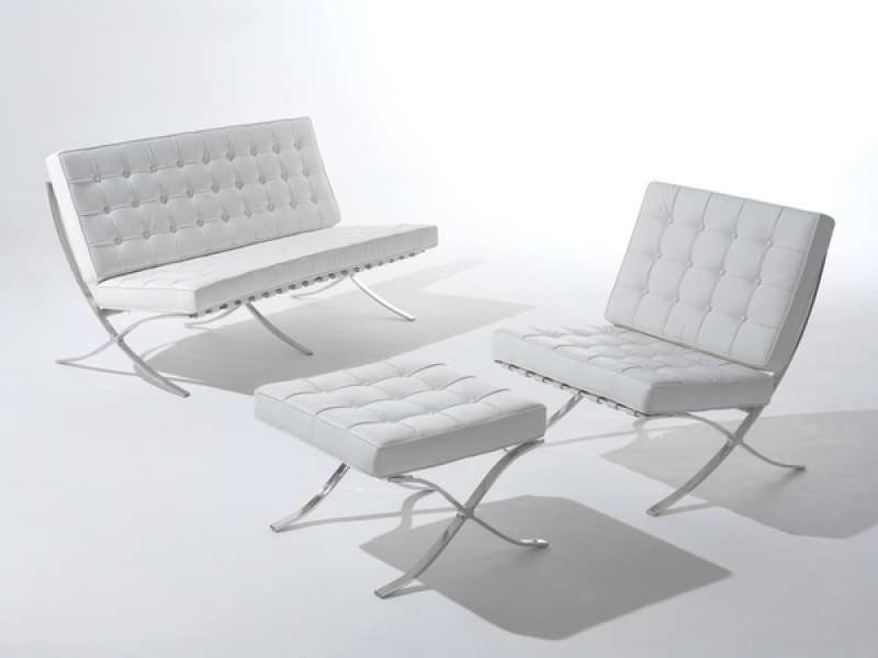 Barcelona Reception Chairs In White Or Black Leather
