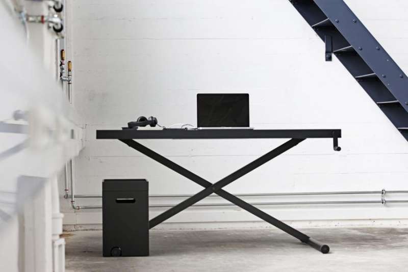 Holmris X Table Sit Stand Desk Uk Dealers The Inspired X Table